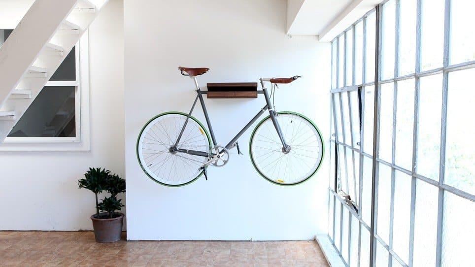 Estantería para colgar la bici