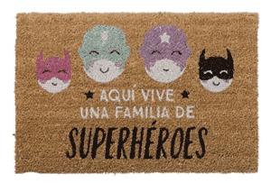 Aquí vive una familia de super héroes