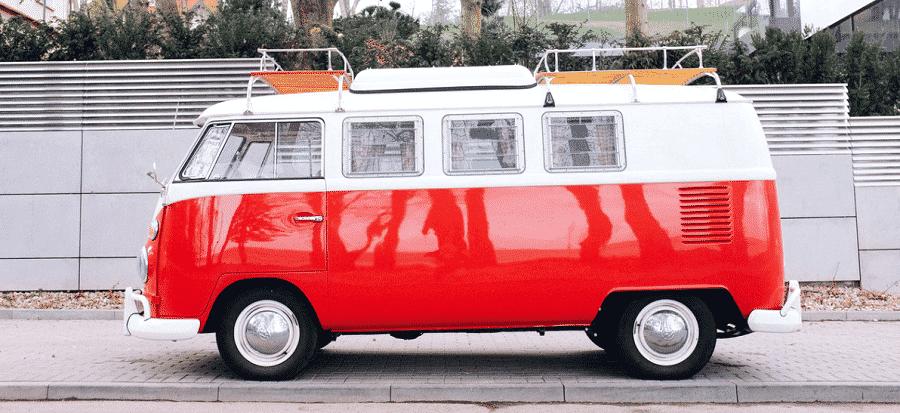 Sino tienes la suerte de disponer de una furgoneta, un cofre de techo es la solución para ampliar la carga del coche
