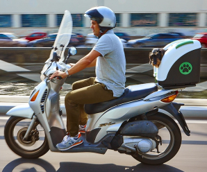Pow pet on wheels moto